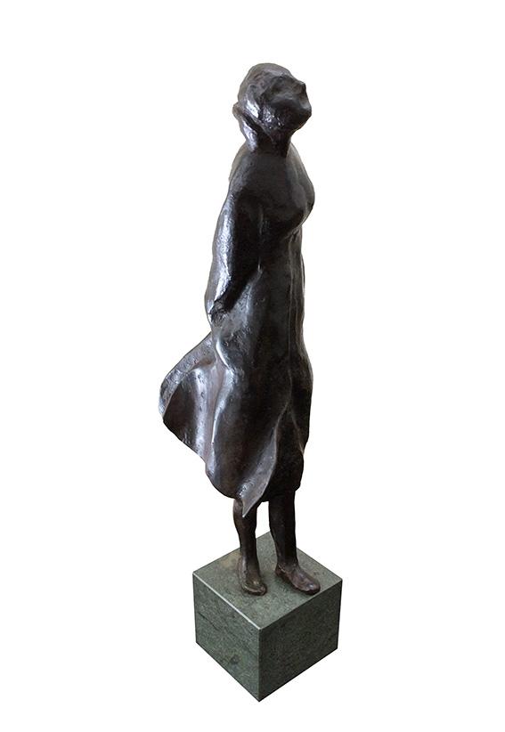 Kijk-mij-nu-brons-32-cm-1-8